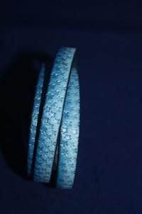 Lederarmband blau vintage mit individuellem Muster