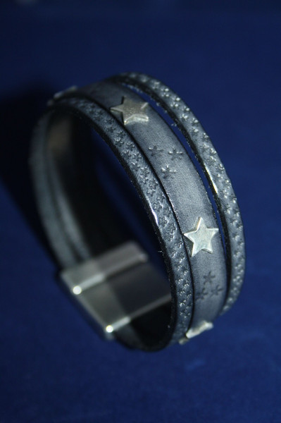 Leather bracelet wide with silver stars 935 silver