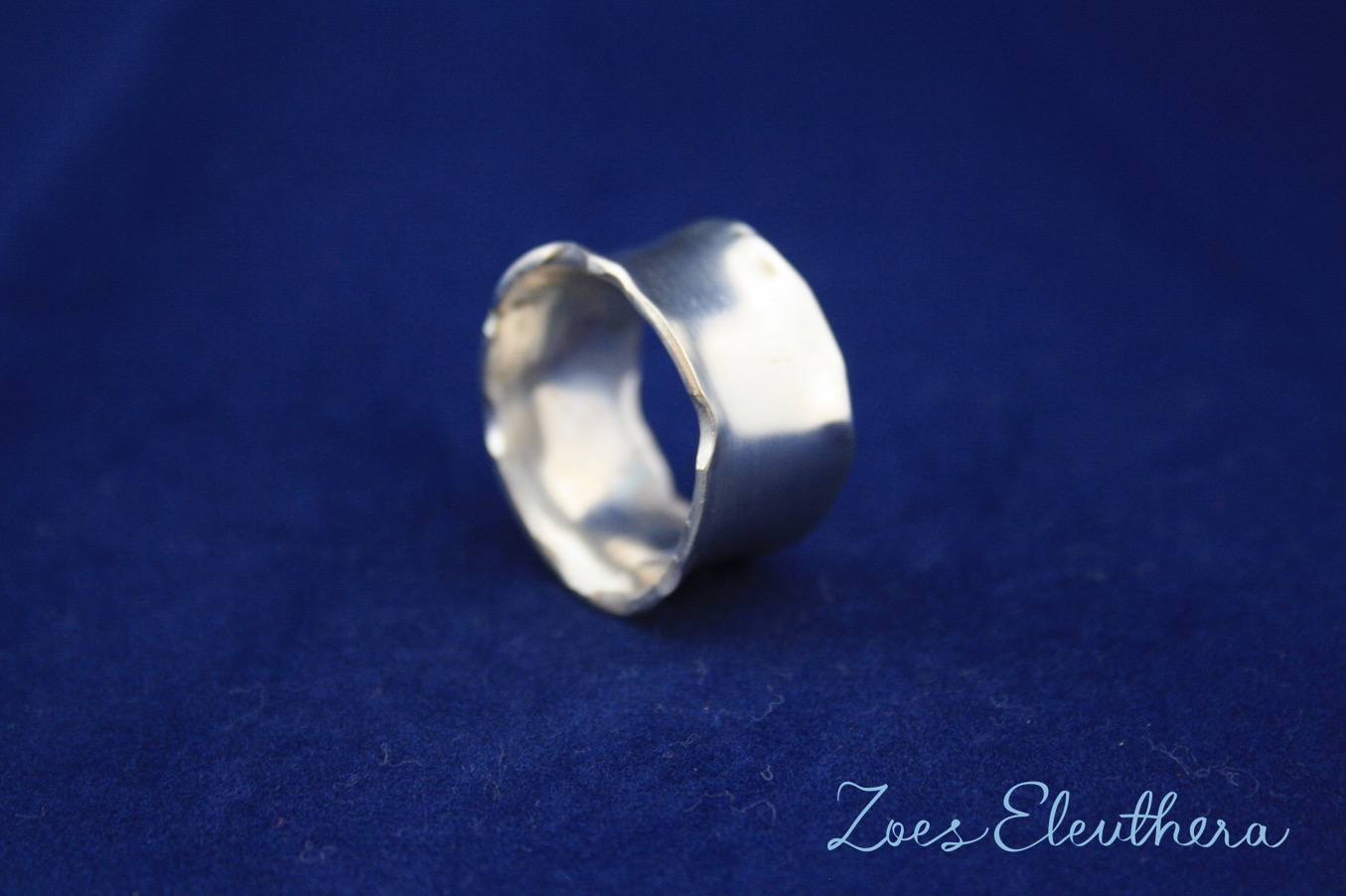 Ring Silber Welle Hammerschlag zart individuell