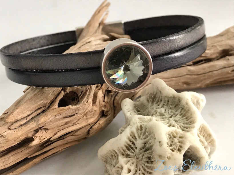 Bracelet leather motif double magnetic clasp light grey dark grey crystal stone grey