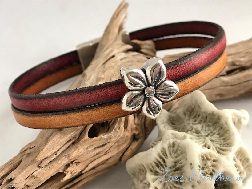 Bracelet leather motif double magnetic clasp red vintage brown flower