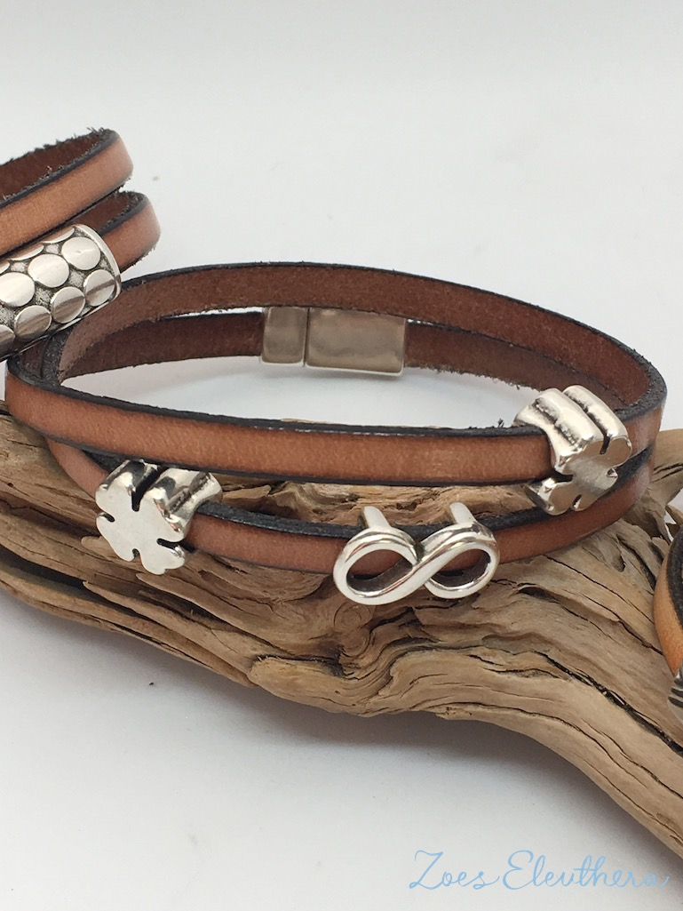 Bracelet Leather brown natural Magnetic clasp soft brown Lucky clover Infinity Models individual