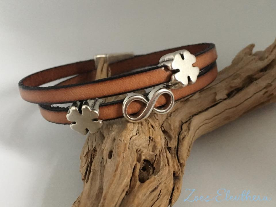 Bracelet leather brown natural magnetic clasp delicate brown clover Infinity