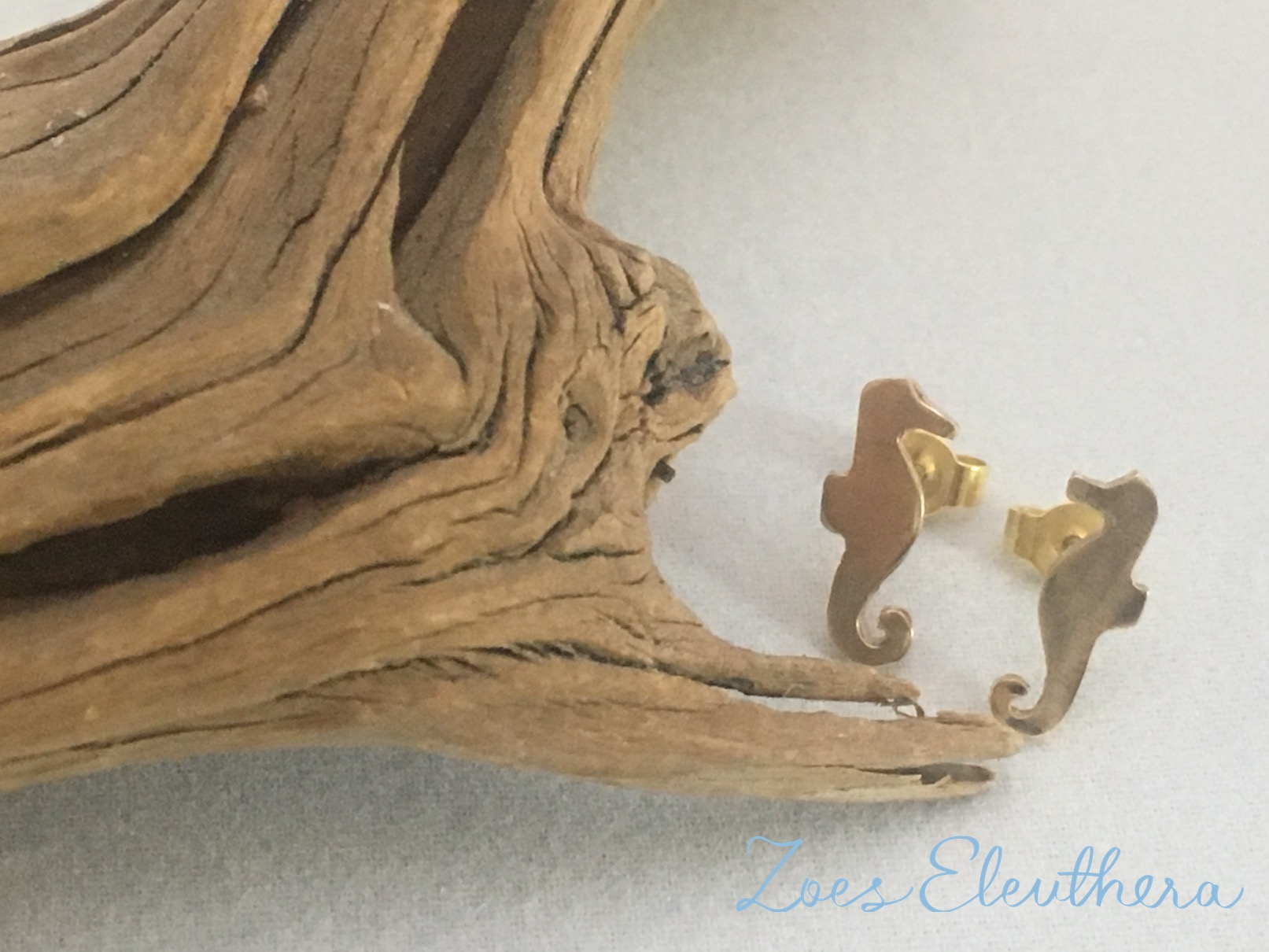 Earrings yellow gold seahorse delicate