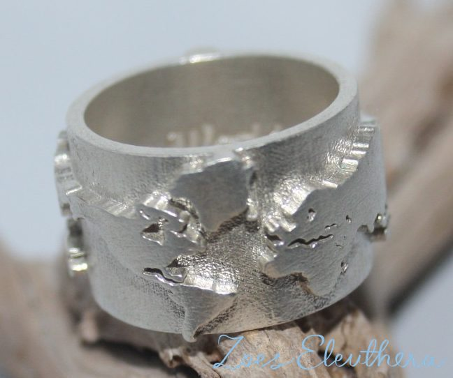 Ring Silber Weltkarte World Map Motiv Text individuell Gusstechnik massiv